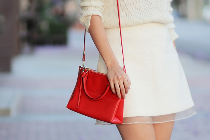 05-white-ootd-blog-mexicano-coach-mini-borough-red-leather-nude-booties-topshop-skirt-jacaranda